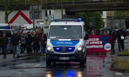 Almanya'da Güvenlik Birimleri Arasında Yüzlerce Aşırı Sağcı Tespit Edildi