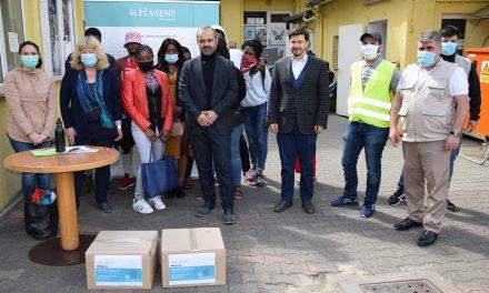 Hasene Berlinli Üniversite Öğrencilerine Gıda Yardımı Yaptı