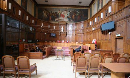 Fransa'nınLille Kentinde Avukatlara Başörtüsü Yasağı Getirildi