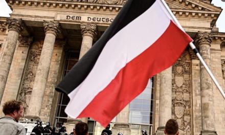 SPD: Aşırı Sağcıların Sembolü Haline Gelen İmparatorluk Bayrağı Yasaklansın