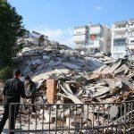 İzmir'de Şiddetli Deprem: Çöken Binalar Var!