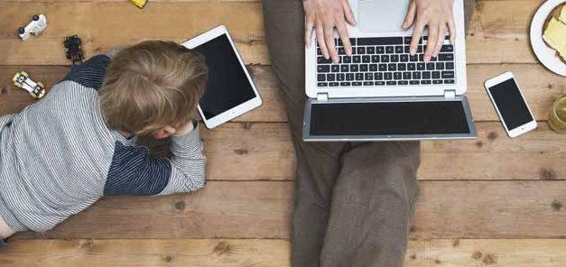 """""""Kısıtlama ve Yeni Normal"""" Arasında Teknoloji-Çocuk-Ebeveyn İlişkileri de Dönüştü"""