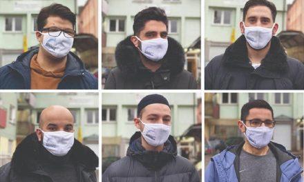 Almanya'da Müslüman Gençlerden Örnek Proje: Sizi Korumak İçin Maske Takıyoruz