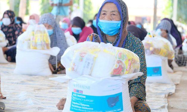 Kamboçya'da Sel Felaketi Mağdurlarına 26 Ton Gıda Yardımı