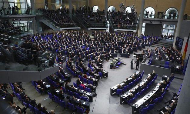 """Almanya'da """"Müslüman Karşıtı Irkçılık Ve Ayrımcılık"""" Konulu Önerge Reddedildi"""