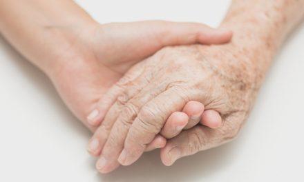 Yaşlılara Yalnız Olmadıklarını Hissettirelim