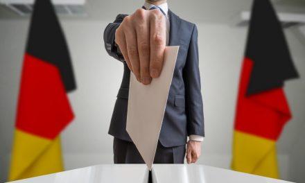 """Almanya'da Türkiye Kökenli Adaylardan """"Sandığa Gidin"""" Çağrısı"""