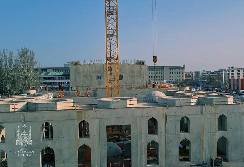 Fransa'da Strazburg Belediyesi'nin Eyüp Sultan Camii'ne yaklaşık 2,5 milyon euroluk yardım kararı yargıya taşınıyor. @Camiahaber