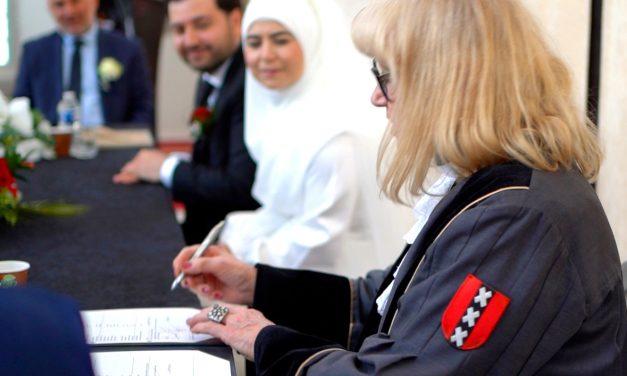 Amsterdam Ayasofya Camii'nde İlk Resmî Nikah Kıyıldı
