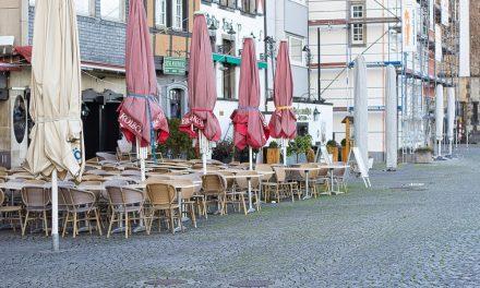 Almanya'nın Köln Kentinde Gece Sokağa Çıkma Yasağı İlan Edildi