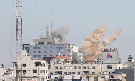 İsrail Ordusu, AP ile Al-Jazeera Binasını Yerle Bir Etti