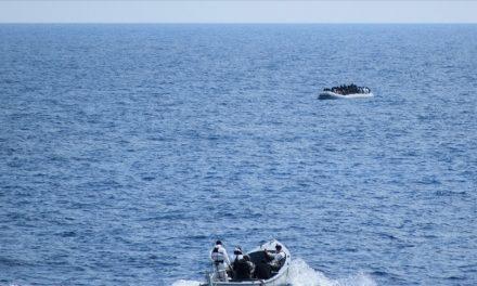 Akdenizde 100 Göçmeni Türk Ticaret Gemisi Kurtardı