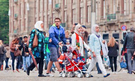 Avrupa'da Müslümanlar Parlamentoda Yeterince Temsil Edilmiyor