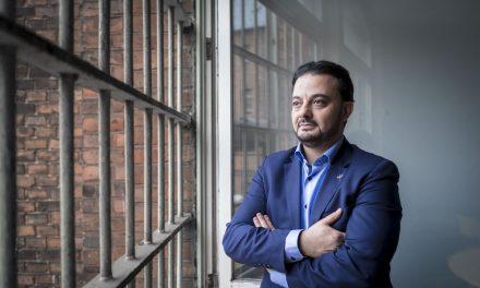 """Müslüman Mahkûmlar: """"Sizin Vesilenizle Hayatımda Yeni Bir Sayfa Açtım"""""""
