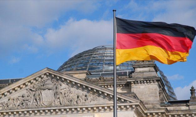 Almanya Tüm Tatilcilerden 1 Ağustos'tan İtibaren Zorunlu Kovid-19 Testi İsteyecek