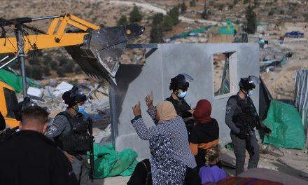 BM Özel Raportörü Lynk, İsrail'in Filistinli Bedevi Ailelere Ait Evleri Yıkmasını Kınadı
