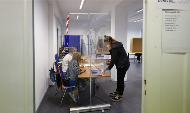 Almanya'yı Zorlu Koalisyon Pazarlığı Bekliyor