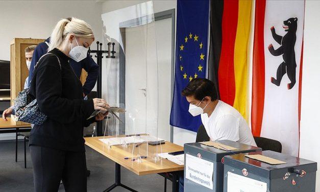Almanya'da Sandıklar Kapandı, İlk Sonuçlar Belli Oldu