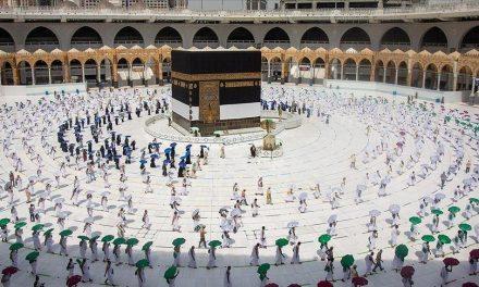 Suudi Arabistan Sadece 2 Doz Kovid-19 Aşısı Olanlara Umre İzni Verecek